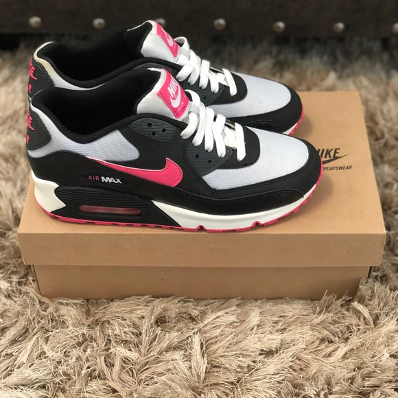 NIKE AIR MAX 90 Size 7Y 9 WOMEN's